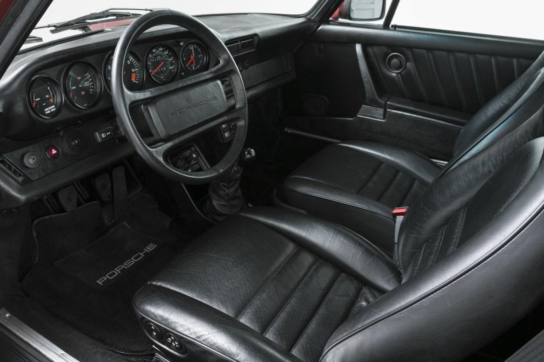 ¿Quieres un Porsche 911 Carrera 3.2 Coupé de la generación 930 casi nuevo? Prepara 100.000 euros... 3