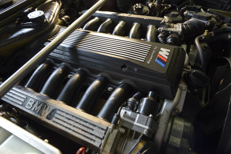 ¿Un BMW M5 E34 con el motor V12 de un BMW 850 CSi? Hoy te acercamos uno 2