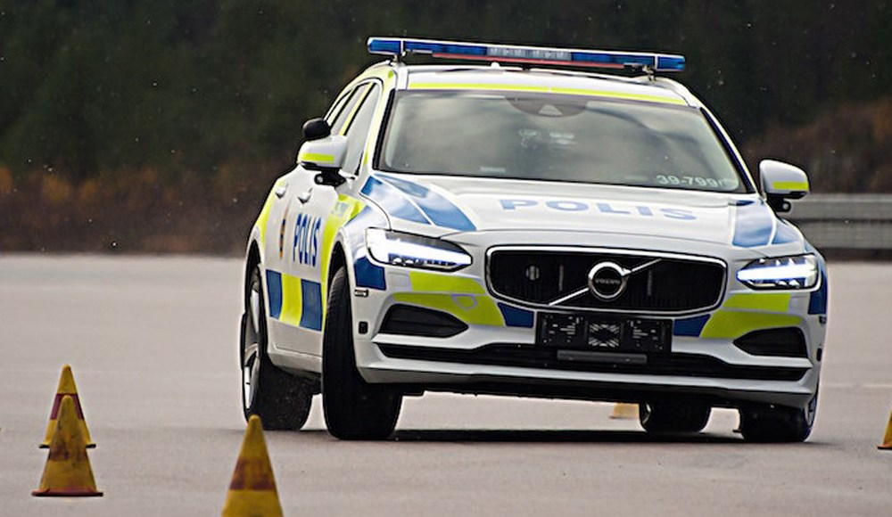 volvo-v90-policia-3
