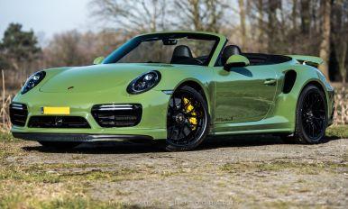 El Porsche 911 Turbo S Cabriolet de Edo Competition luce con este llamativo verde