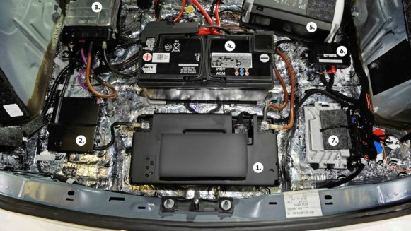 Volkswagen Golf GTI First Decade Concept: Híbrido y con 410 CV de potencia, realizado por aprendices