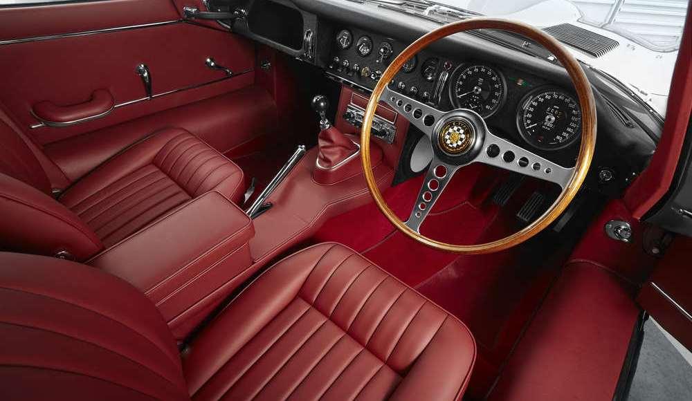 espectacular-asi-es-el-nuevo-talleres-de-clasicos-de-jaguar-land-rover-bautizado-como-classic-works-10