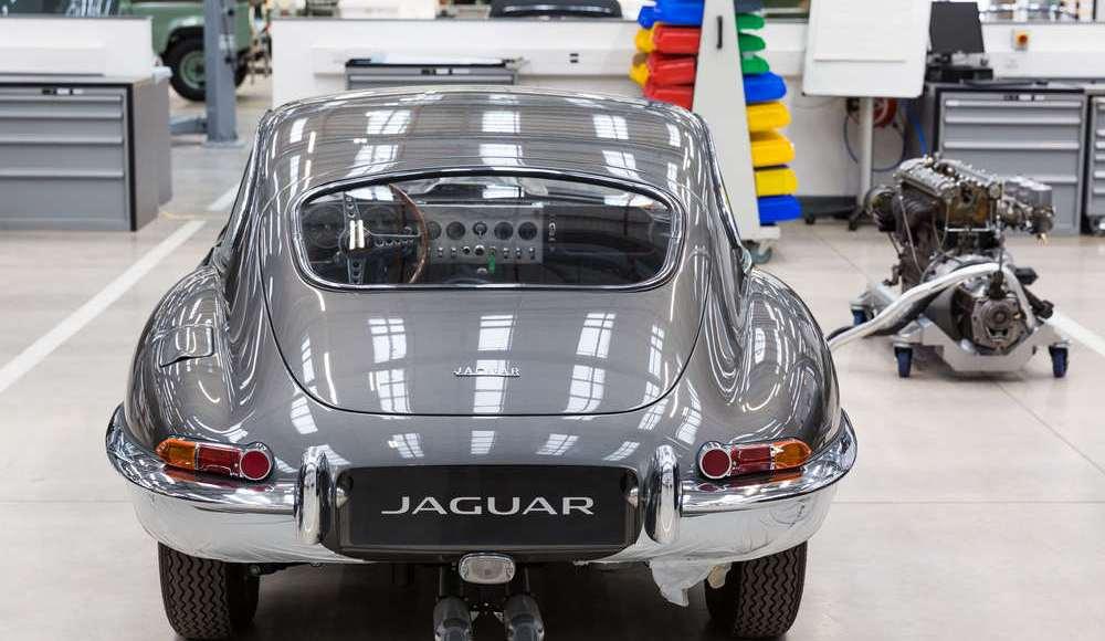 espectacular-asi-es-el-nuevo-talleres-de-clasicos-de-jaguar-land-rover-bautizado-como-classic-works-25