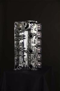 Vida nueva, utilidad nueva: Este motor de BMW M3 es ahora un expositor de relojes