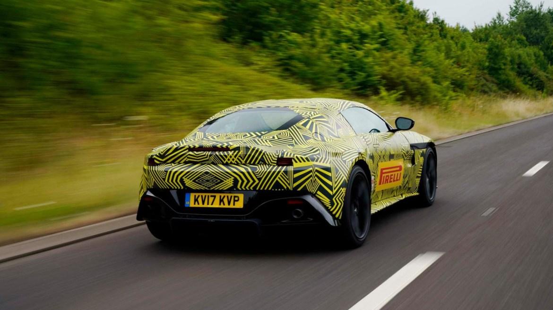 Oficial: primer vistazo al nuevo Aston Martin V8 Vantage