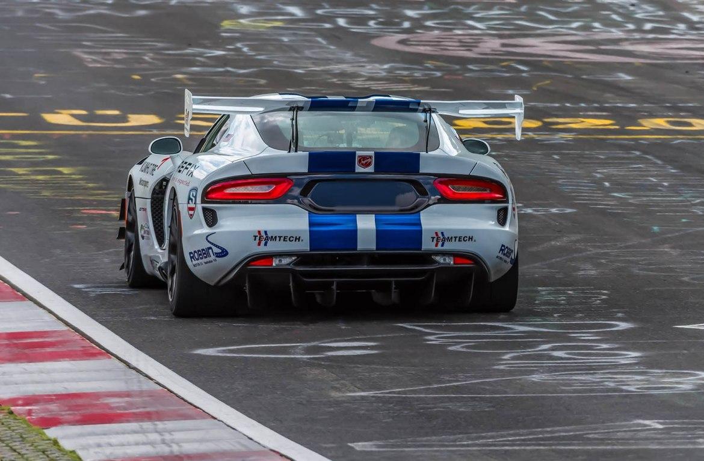 El Dodge Viper ACR vuelve a Nürburgring otra vez y fracasa en el intento de romper los 7 minutos