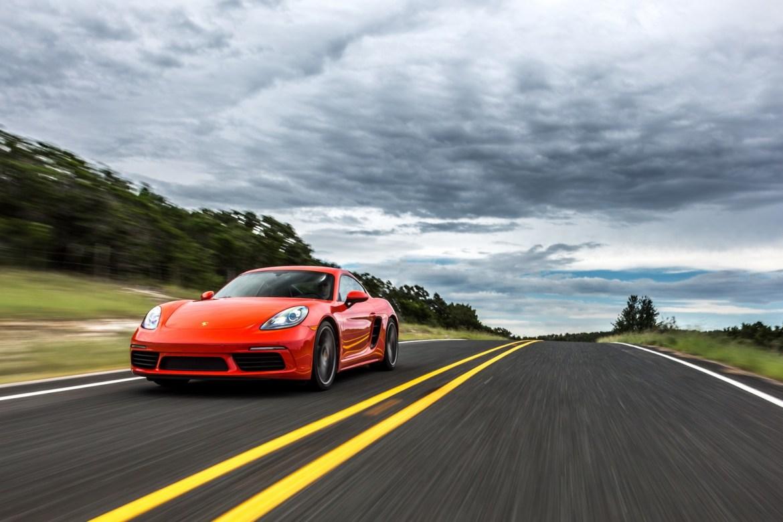 ¿El modelo Netflix y Spotify en deportivos? Porsche lanza un servicio de suscripción mensual para conducir su gama