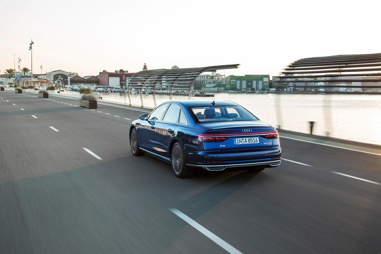 ¡Lujo sobre ruedas! Audi ya admite pedidos del A8 en España, a partir de 97.500 euros