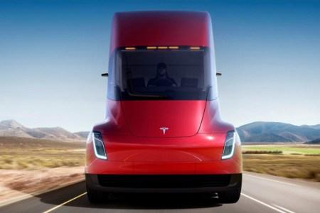 Así es el camión de Tesla: ¡800 kilómetros de autonomía!