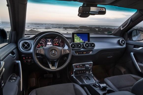 Mercedes-Benz nos muestra las propuestas para convertir la Clase X en una caravana