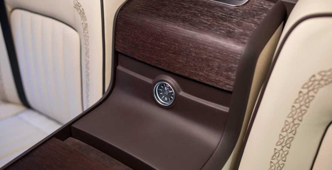 viajar-en-primera-clase-es-posible-con-la-mercedes-clase-v-de-okcu-individual-automotive-04
