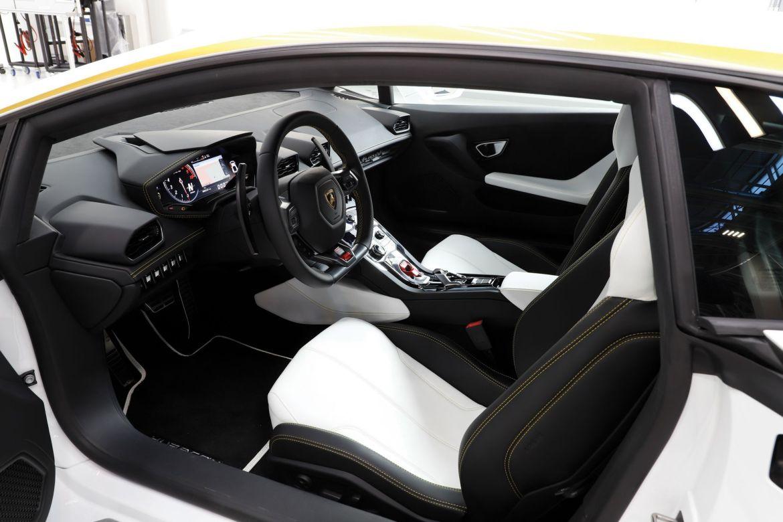 El Lamborghini Huracán del Papa sale a subasta: ¿Cuánto pagarán finalmente por él?