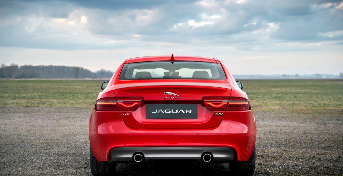la-edicion-limitada-300-sport-aterriza-en-los-jaguar-xe-xf-y-xf-sportbrake-20