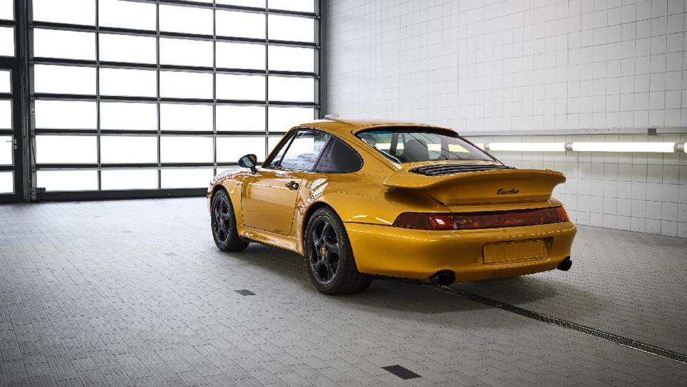 ¿Por qué no se puede matricular el 'Project Gold' Porsche 911 (993) Turbo de Porsche? Te lo contamos