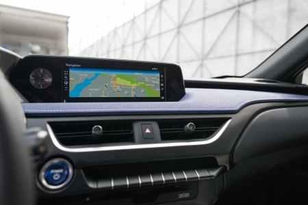 El crossover compacto Lexus UX 250h llegará en 2019 y arrancará en los 33.900 euros