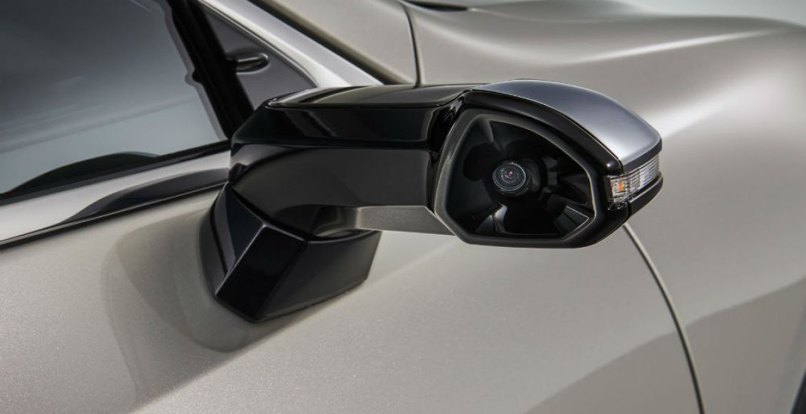 el-lexus-es-sera-el-primer-coche-gran-tirada-sin-retrovisores-exteriores-04
