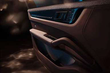 El Porsche Cayenne Turbo de TechArt nos recibe con 640 CV y un peculiar habitáculo
