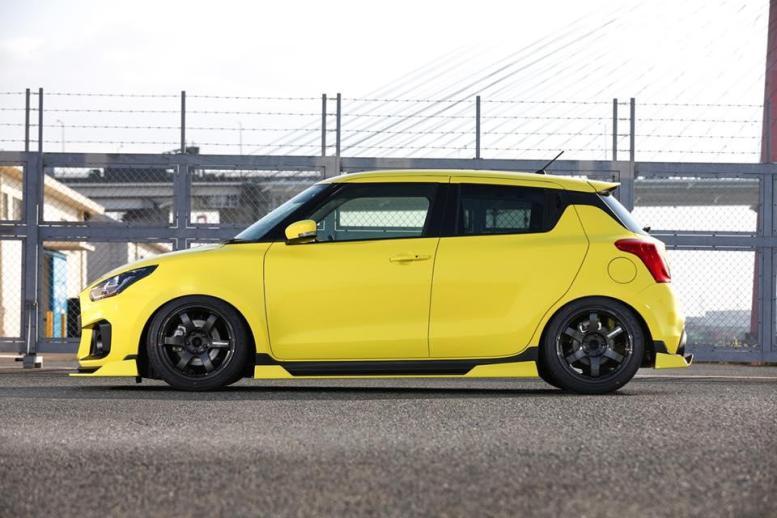 Kuhl Racing lanza un agresivo kit estético para el Suzuki Swift Sport