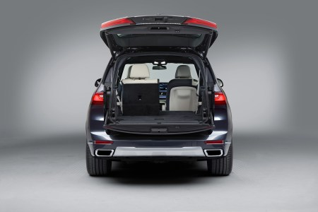 Oficial: Así es el SUV más grande de la firma bávara, el BMW X7