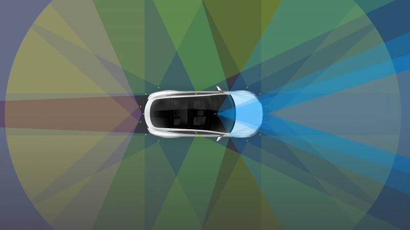 ¿Por qué Tesla ya no promociona en su web la conducción autónoma?