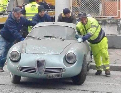 ¿Cuánto dinero serías capaz de gastar en un Alfa Romeo GIulietta SZ que ha estado parado 35 años?