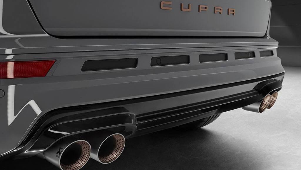 cupra-ateca-special-edition-con-escape-akrapovic-y-racion-extra-de-fibra-de-carbono-03