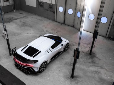 Bugatti Centodieci: Un guiño al mítico EB110