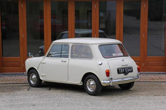 Viaje en el tiempo: Este Morris-MINI tiene sólo 436 kilómetros y está a la venta