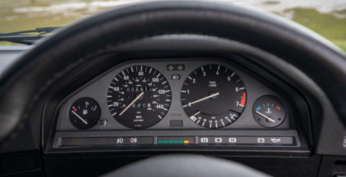BMW-E30-325I-Sport-21