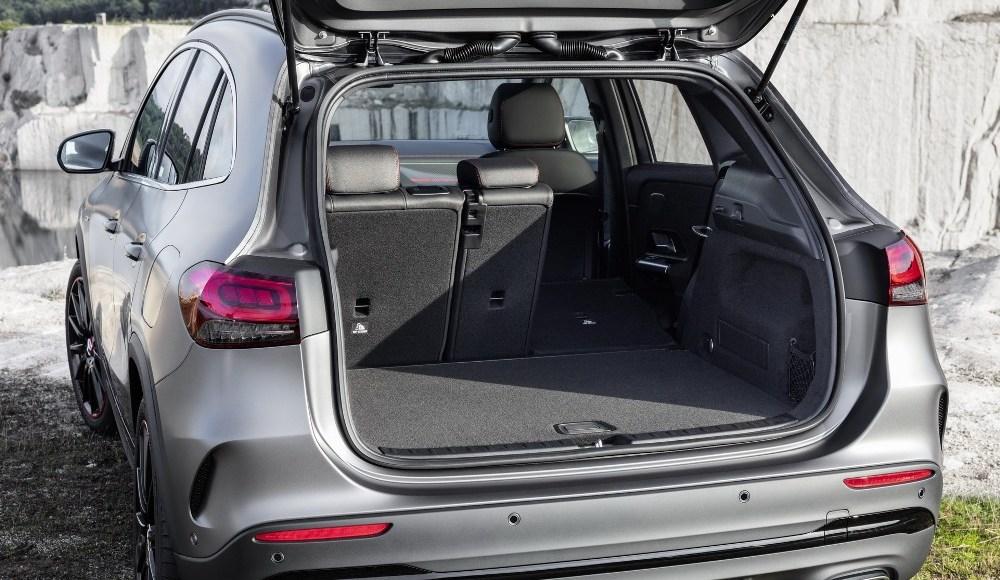 Mercedes-GLA-2020-13