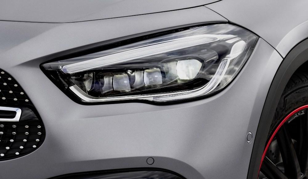 Mercedes-GLA-2020-10