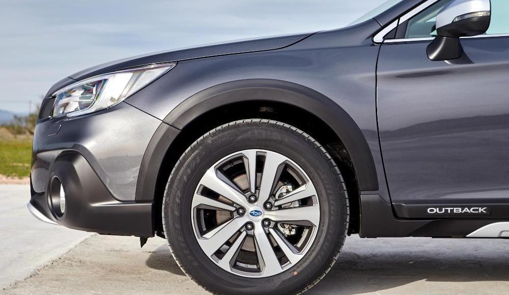 Subaru-Outback-Silver-Edition-13