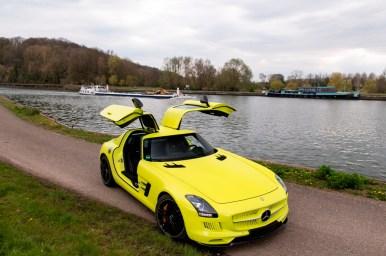 ¿Quieres hacerte con uno de los nueve Mercedes SLS AMG Electric Drive de 2013? Ahora puedes, pero no te resultará nada barato