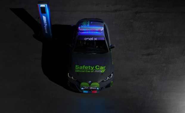 El BMW i4 M50 es el primer Safety Car eléctrico de la firma