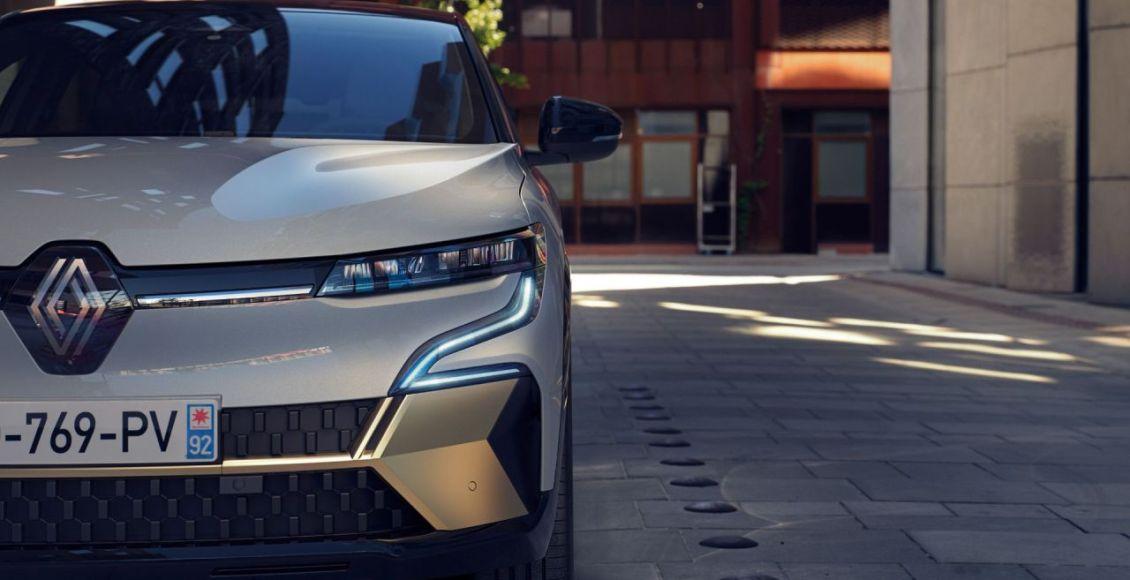 Renault-Megane-E-TECH-Electric-2022-21