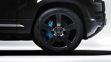 Land Rover Defender V8 Bond Edition: 300 imponentes unidades