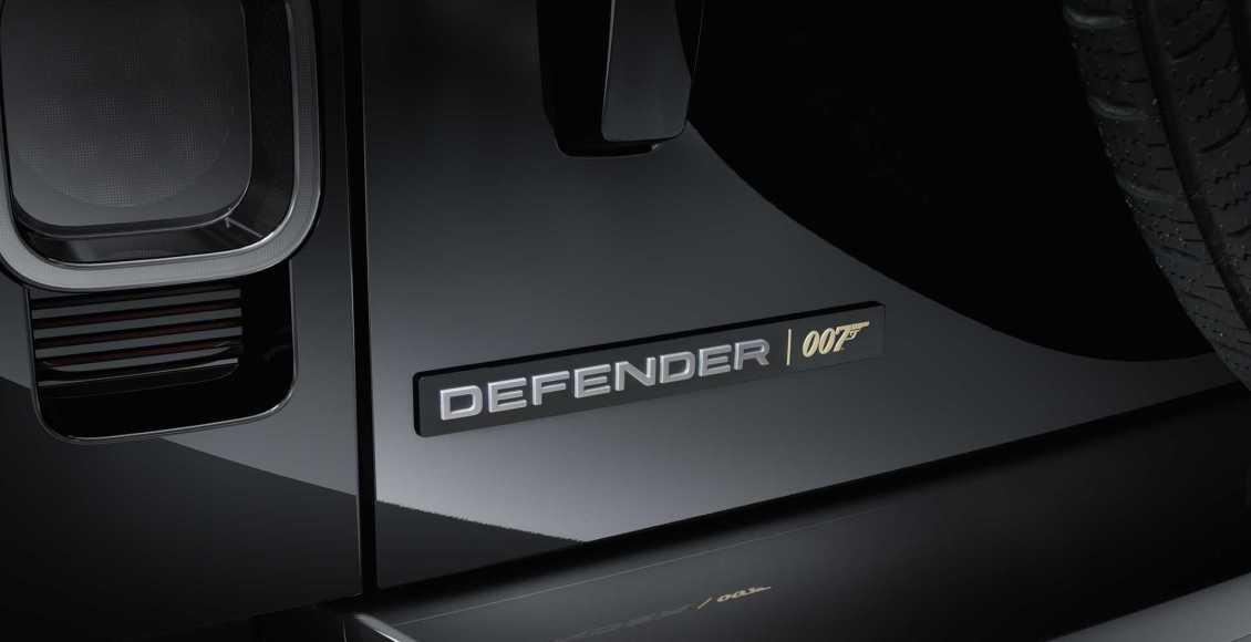 Land-Rover-Defender-V8-Bond-Edition-2021-6