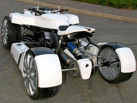 La moto de cuatro ruedas, Lazareth Quadrazuma
