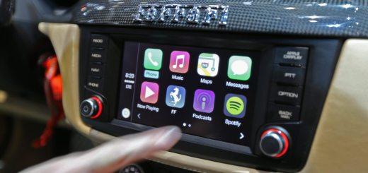 car-play-apple-ferrari