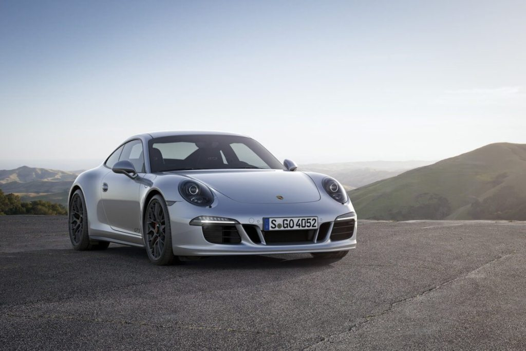PORSCHE 911- CARRERA 4 GTS (2)