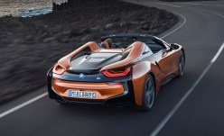 2017-bmw-i8-roadster-los-angeles-02