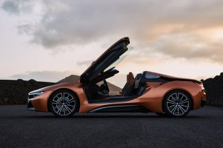 2017-bmw-i8-roadster-los-angeles-05