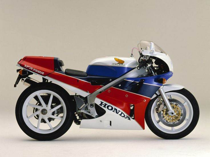 Mythical Honda RC30