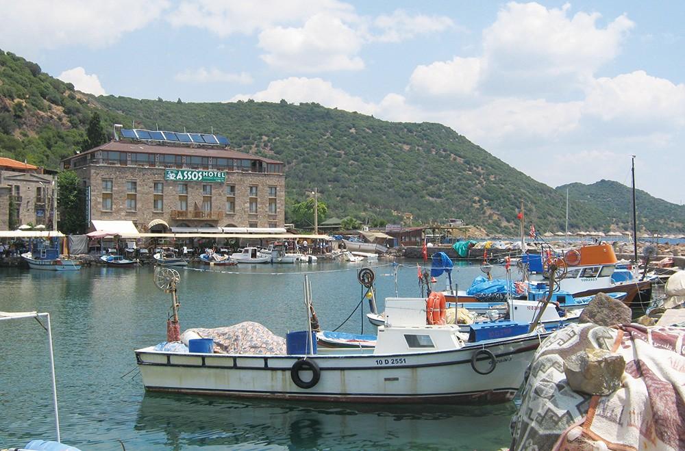 Kuzey Ege Barınak Notları 2 - Behramkale Balıkçı Barınağı