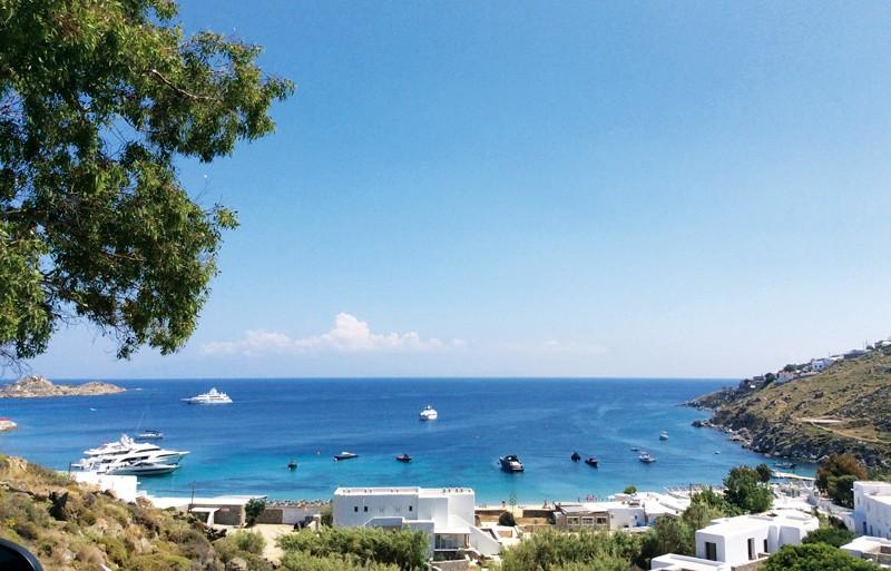 Yunan adaları, yelken seyri yapmak isteyen denizciler için ideal bir rota. Adalarda nakit ödeme yapmak indirimler almanızı sağlıyor.