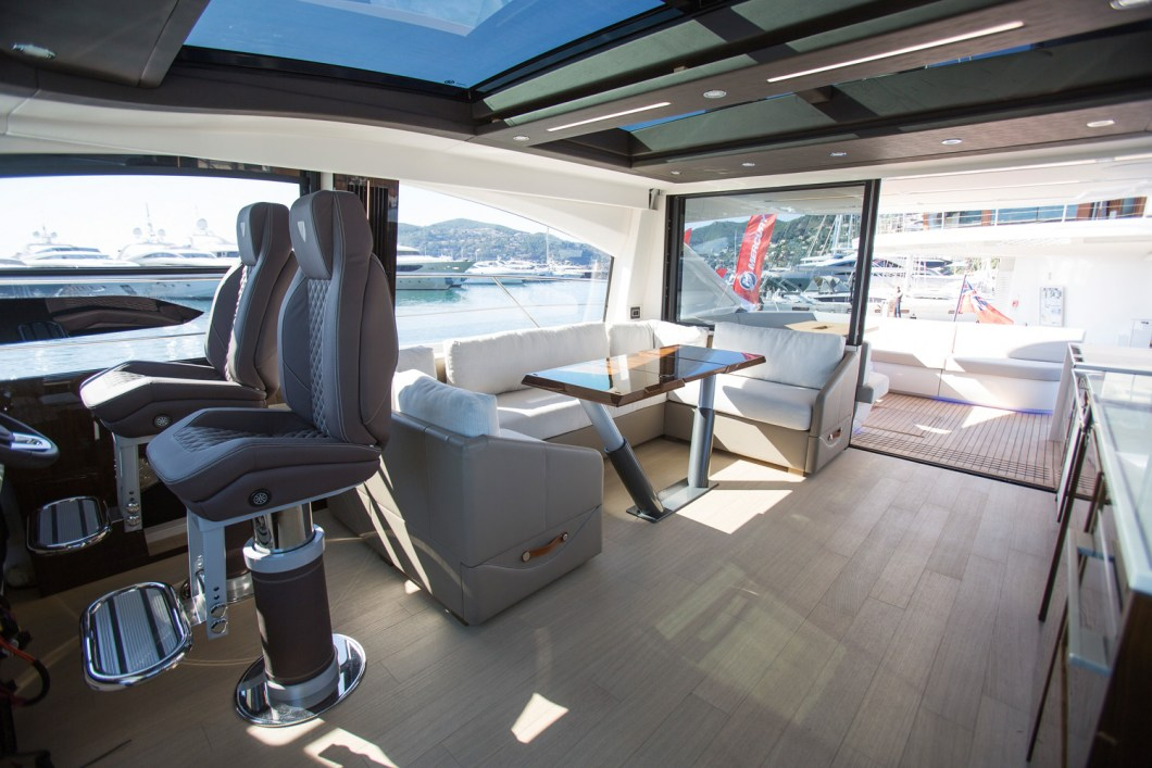 Fairline Targa 63 GTO - Açık plan salon