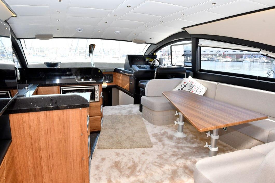 Bora Boat - Pars 62 - Salon