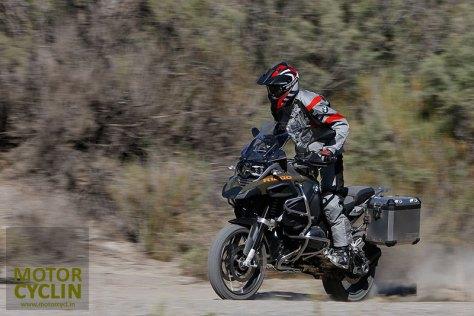 bmw r 1200 gs adventure 2014 gunning it on dirt