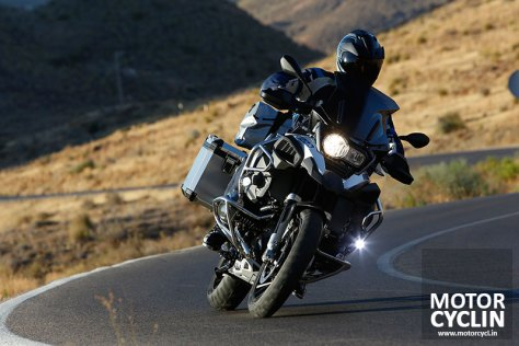bmw r 1200 gs adventure 2014 leaning