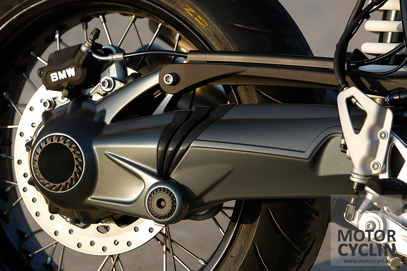 photos of BMW R nineT shaft drive